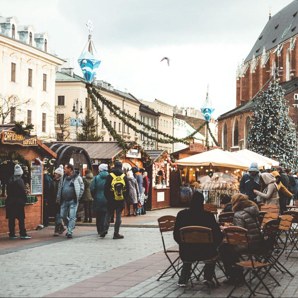 krakova-puola-joulutori_tori_matkailu_kaupunki