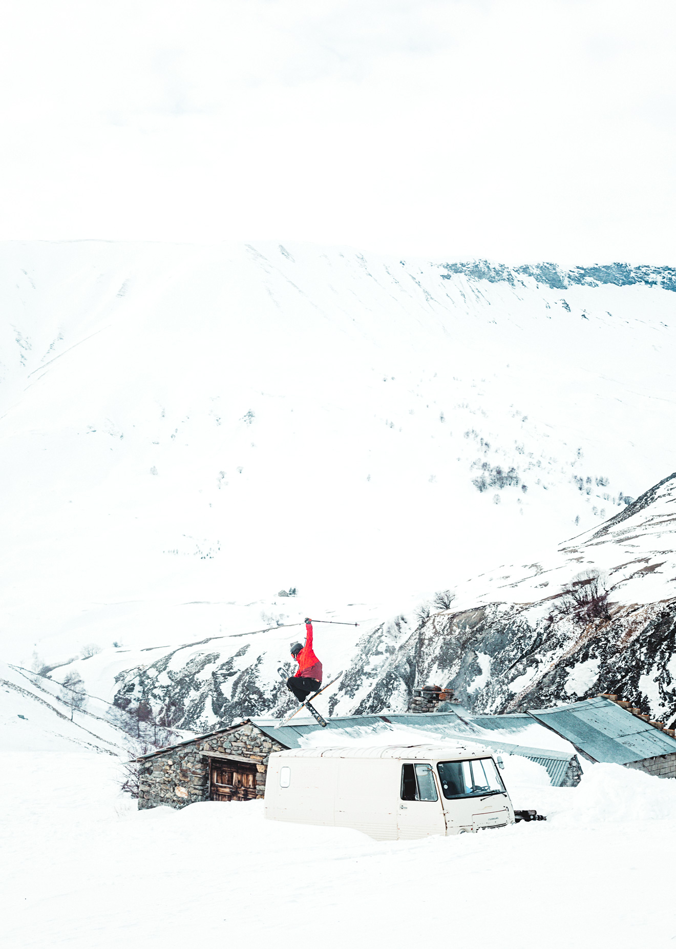 le_CHAZELET_itävalta_lagrave_matkailu_travel_auto_vuoret_lumilautailu_vapaalasku