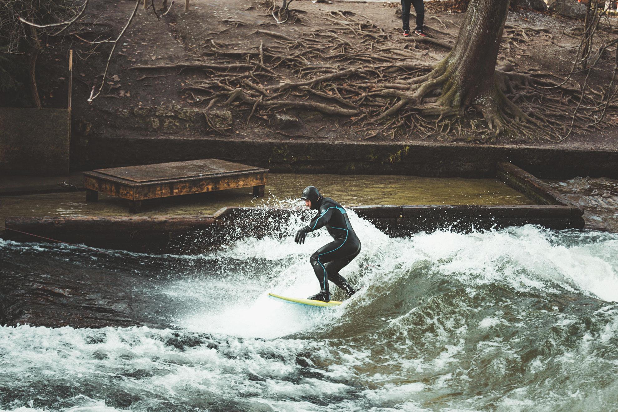 riversurfing_surffaus_river_joki_munchen_kaupunki