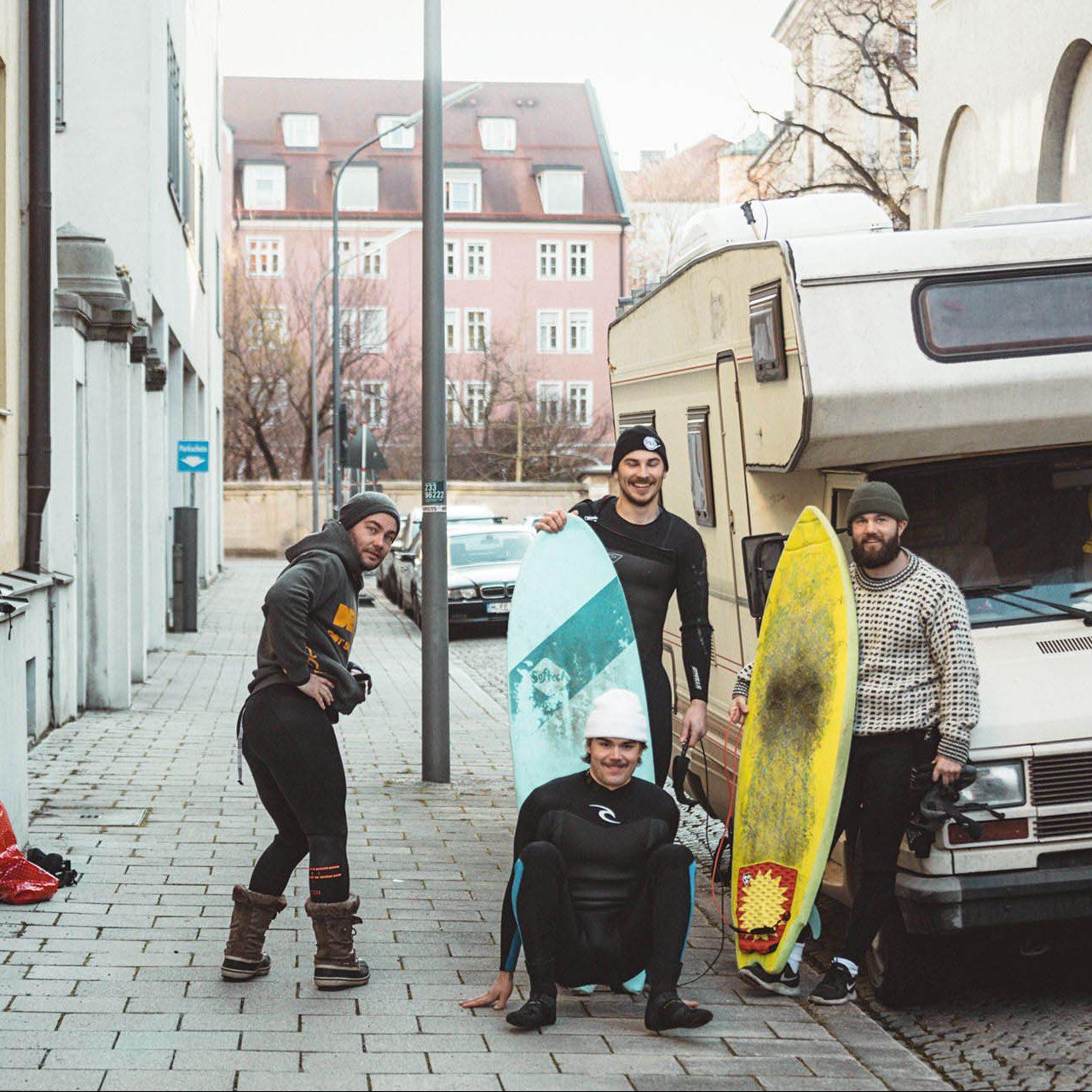 matkailuauto_munchen_katu_surffaus_surfing